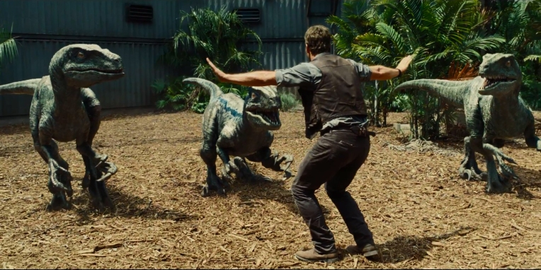 chris-pratt-velociraptor-jurassic-world